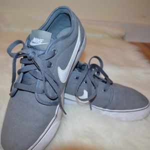 Men's Nike Grey and white Skate Shoe